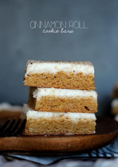 Cinnamon Roll Cookie Bars